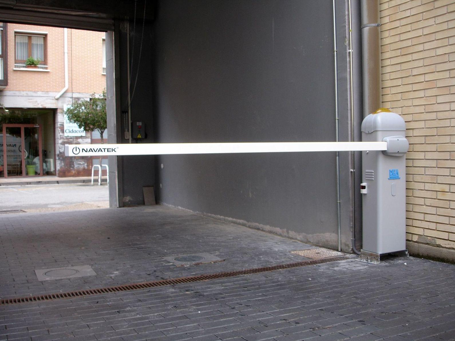 Foto 33 de Puertas automáticas en Olite | Navatek Puertas Automáticas SL