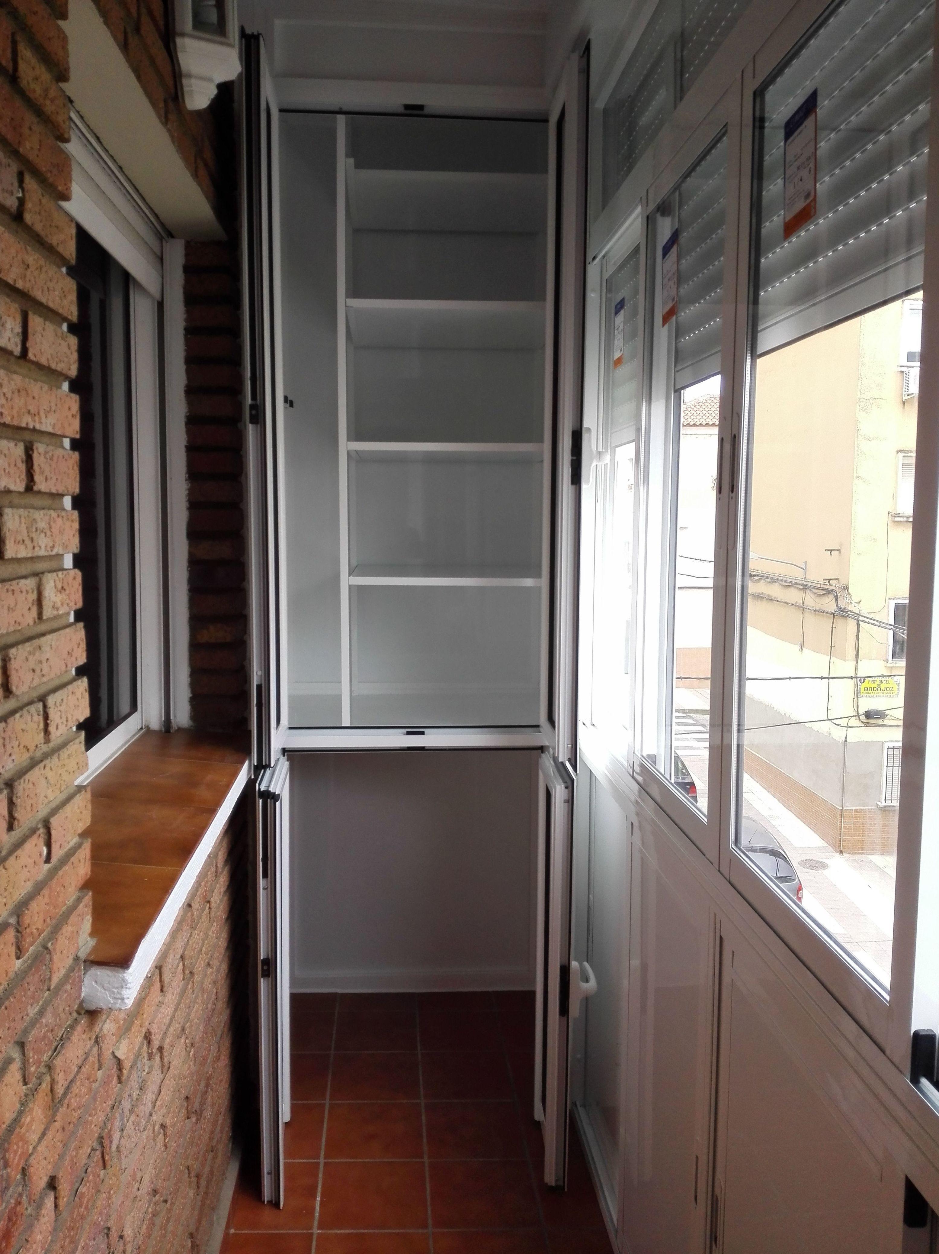 Balcón cierre de aluminio con fijo y armario VII