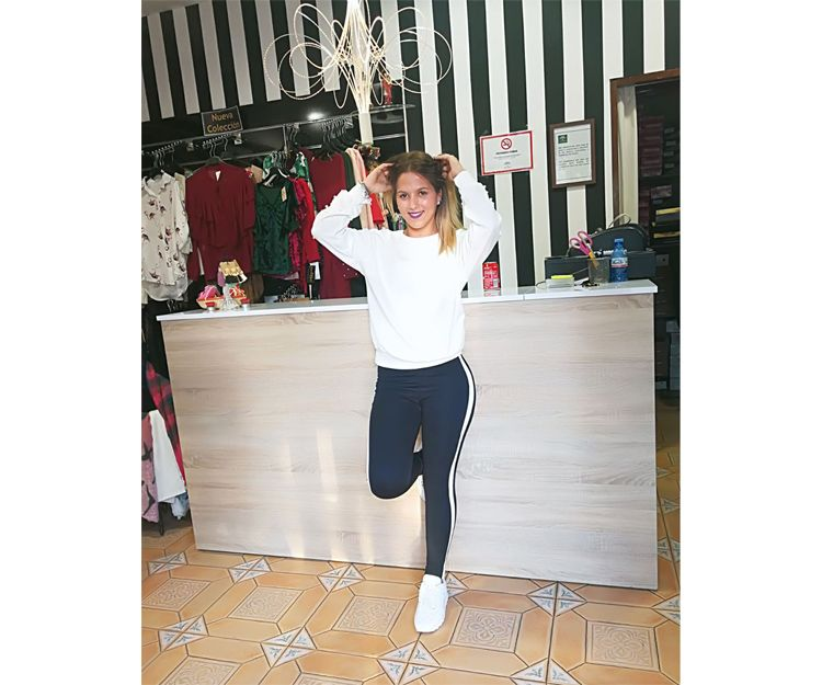 Pantalones de gimnasia con rayas blancas laterales