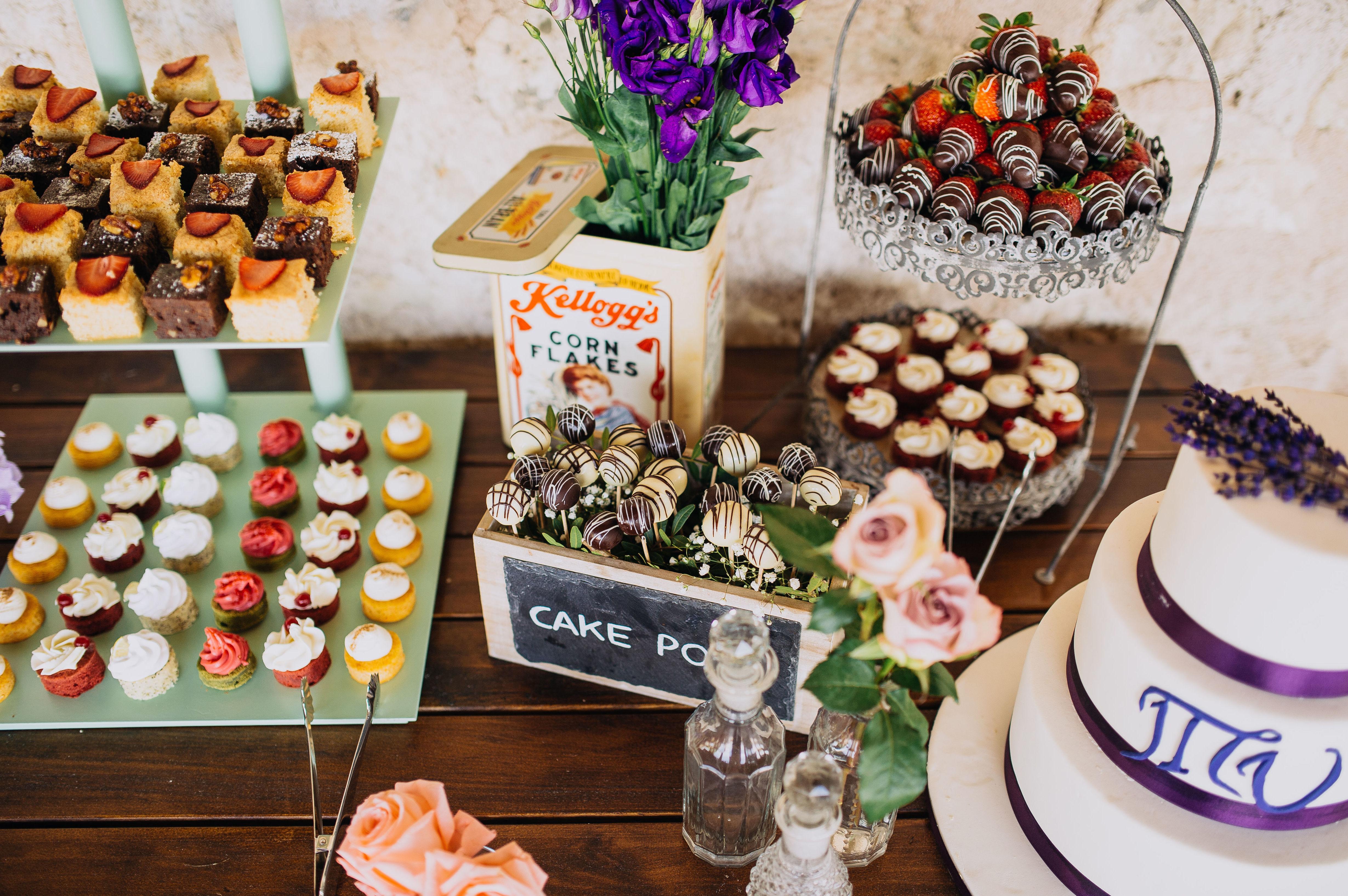 Mesa de dulces para catering