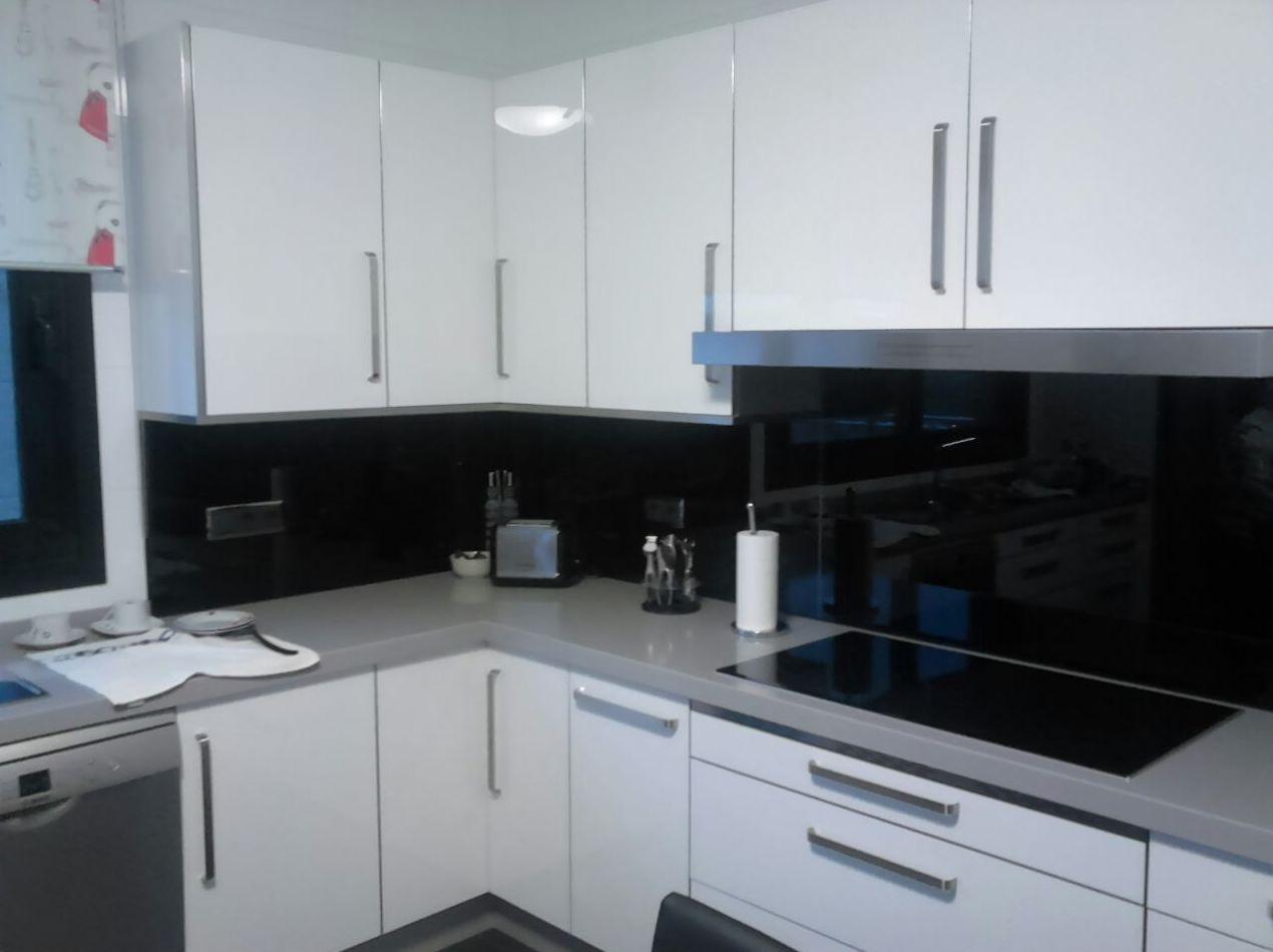 Foto 4 de Muebles de cocina y baño en Pontevedra | Salgonzalez