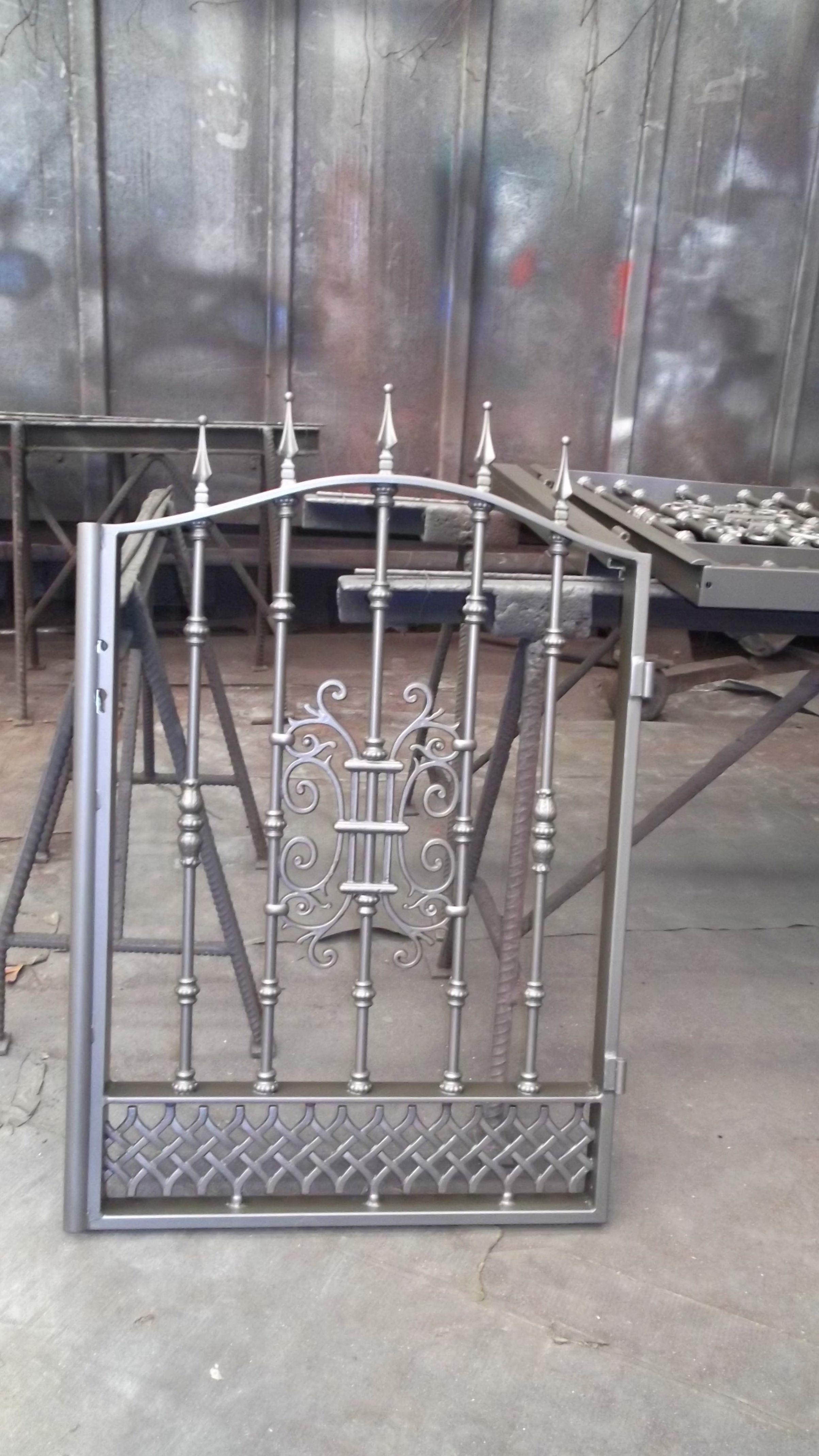 Foto 49 de Carpintería de aluminio, metálica y PVC en Posada de Llanes | Cerrajería Pedrón