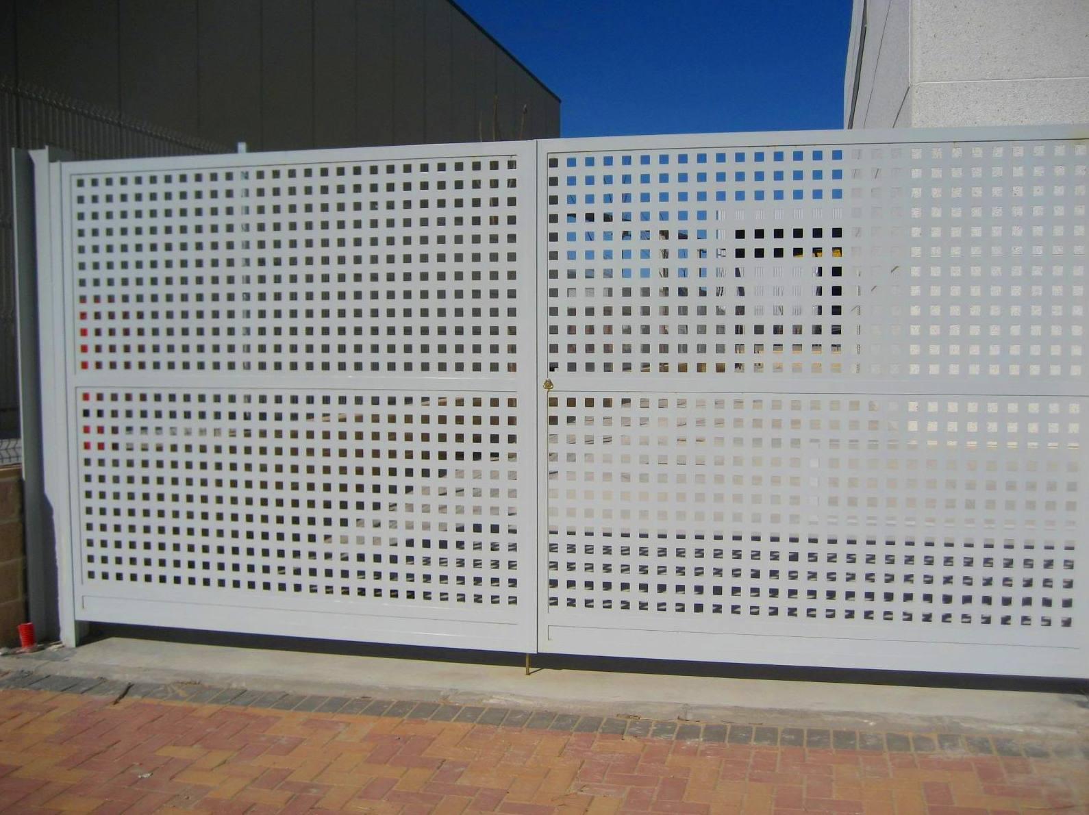 Foto 47 de Carpintería de aluminio, metálica y PVC en Posada de Llanes | Cerrajería Pedrón