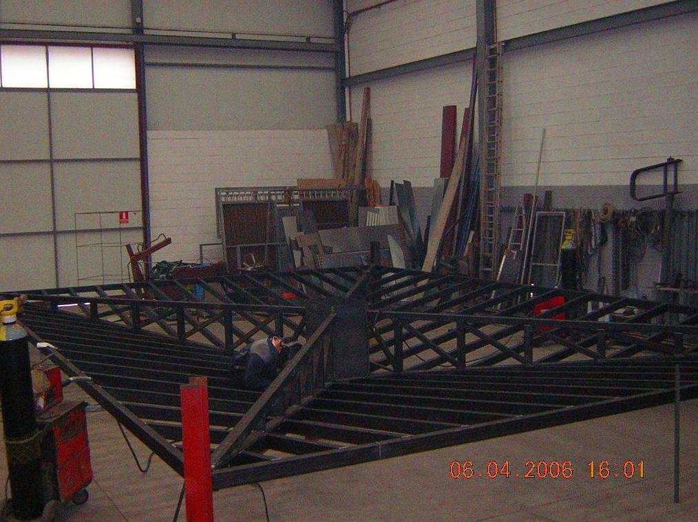 estructura metalica techo polycarbonato