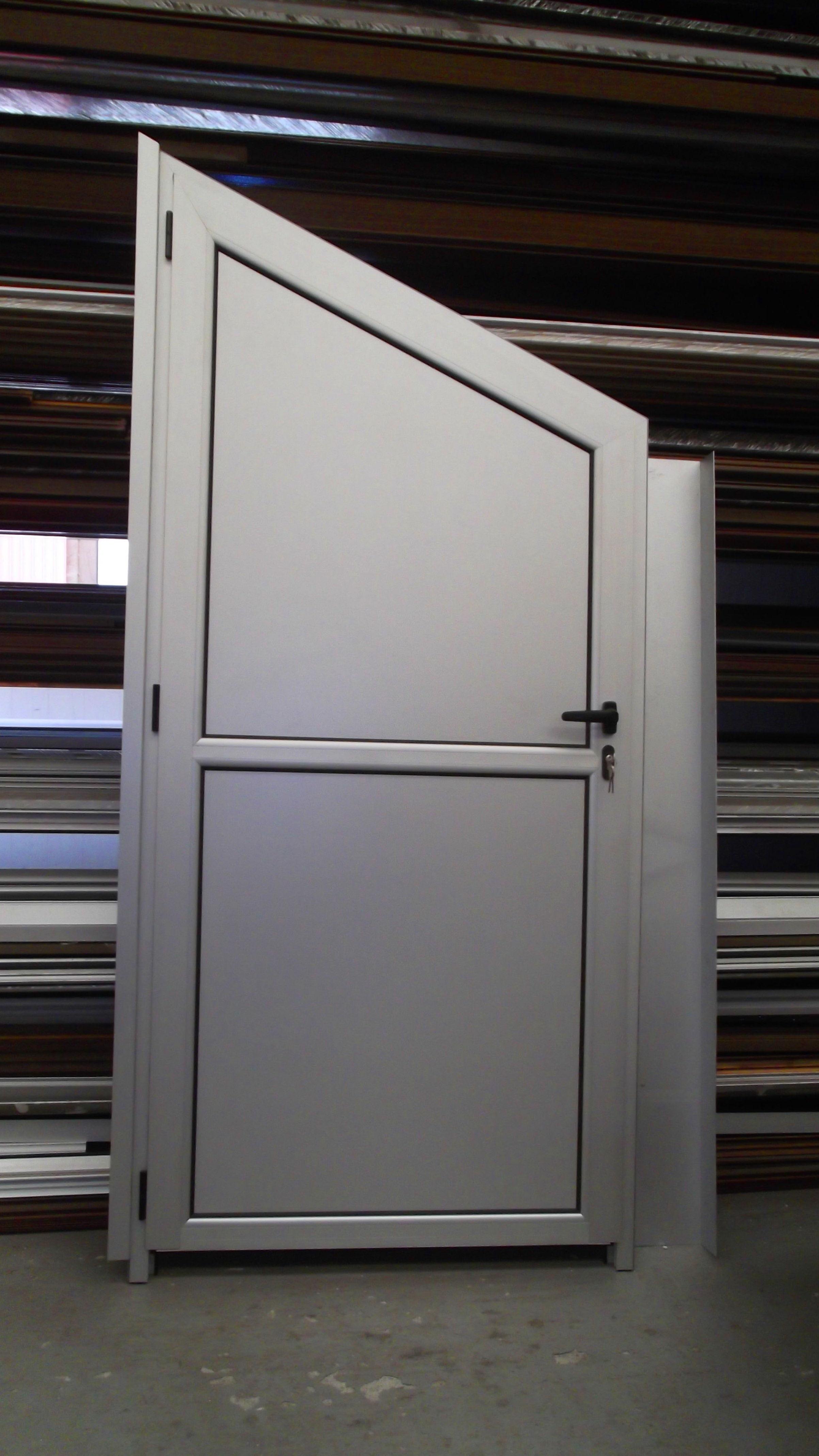 Foto 57 de Carpintería de aluminio, metálica y PVC en Posada de Llanes | Cerrajería Pedrón