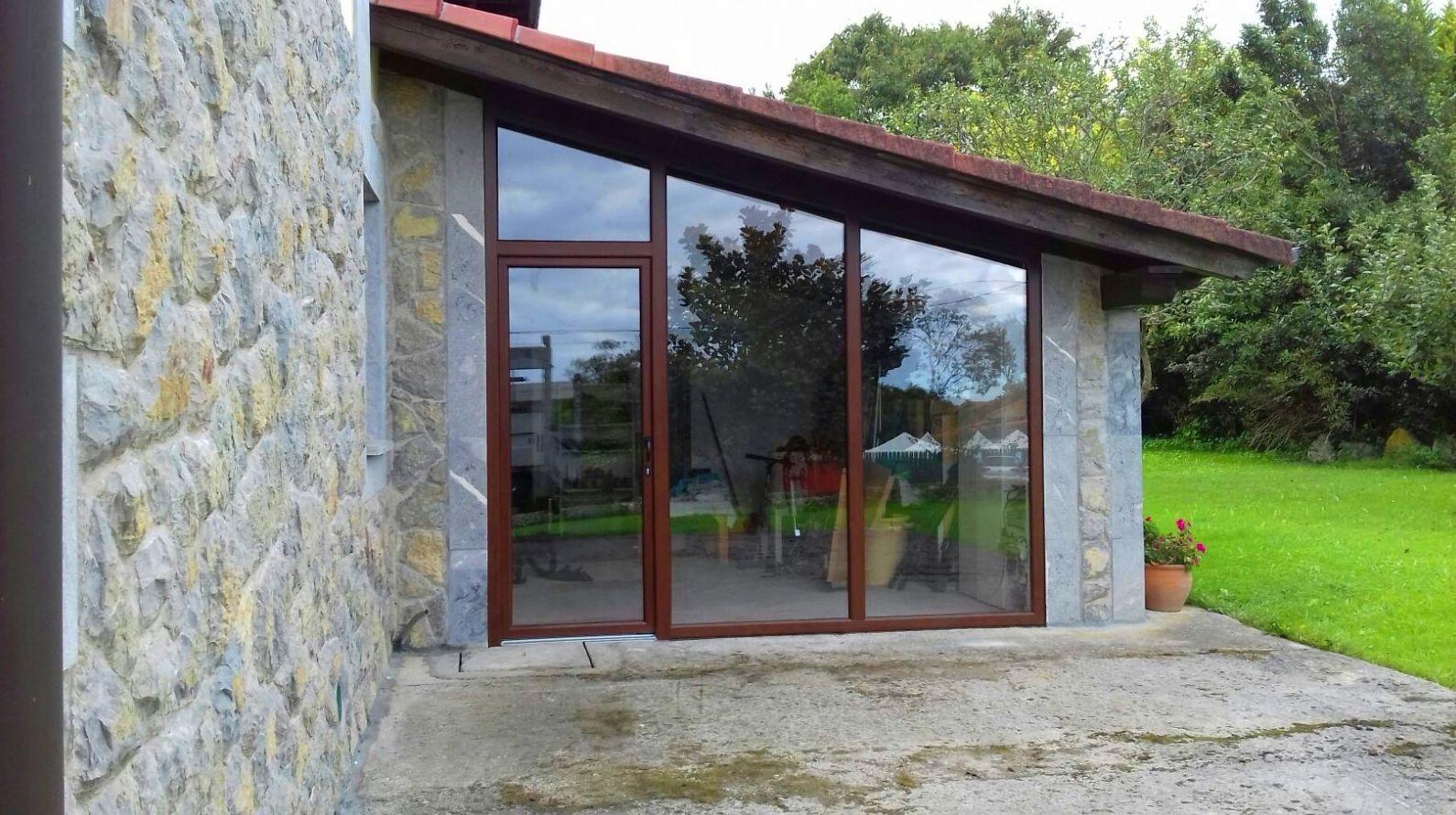 Foto 10 de Carpintería de aluminio, metálica y PVC en Posada de Llanes | Cerrajería Pedrón