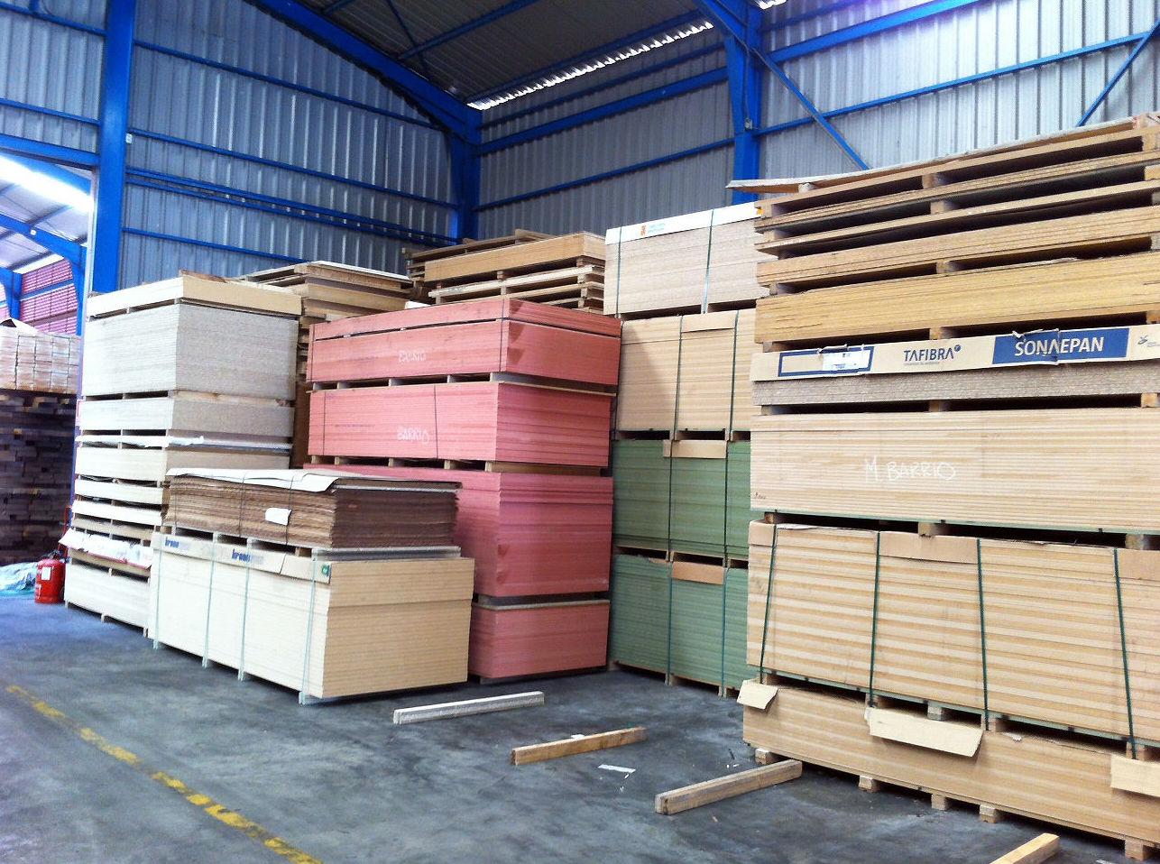 Distribución de tableros rechapados, aglomerados y MDF Toledo
