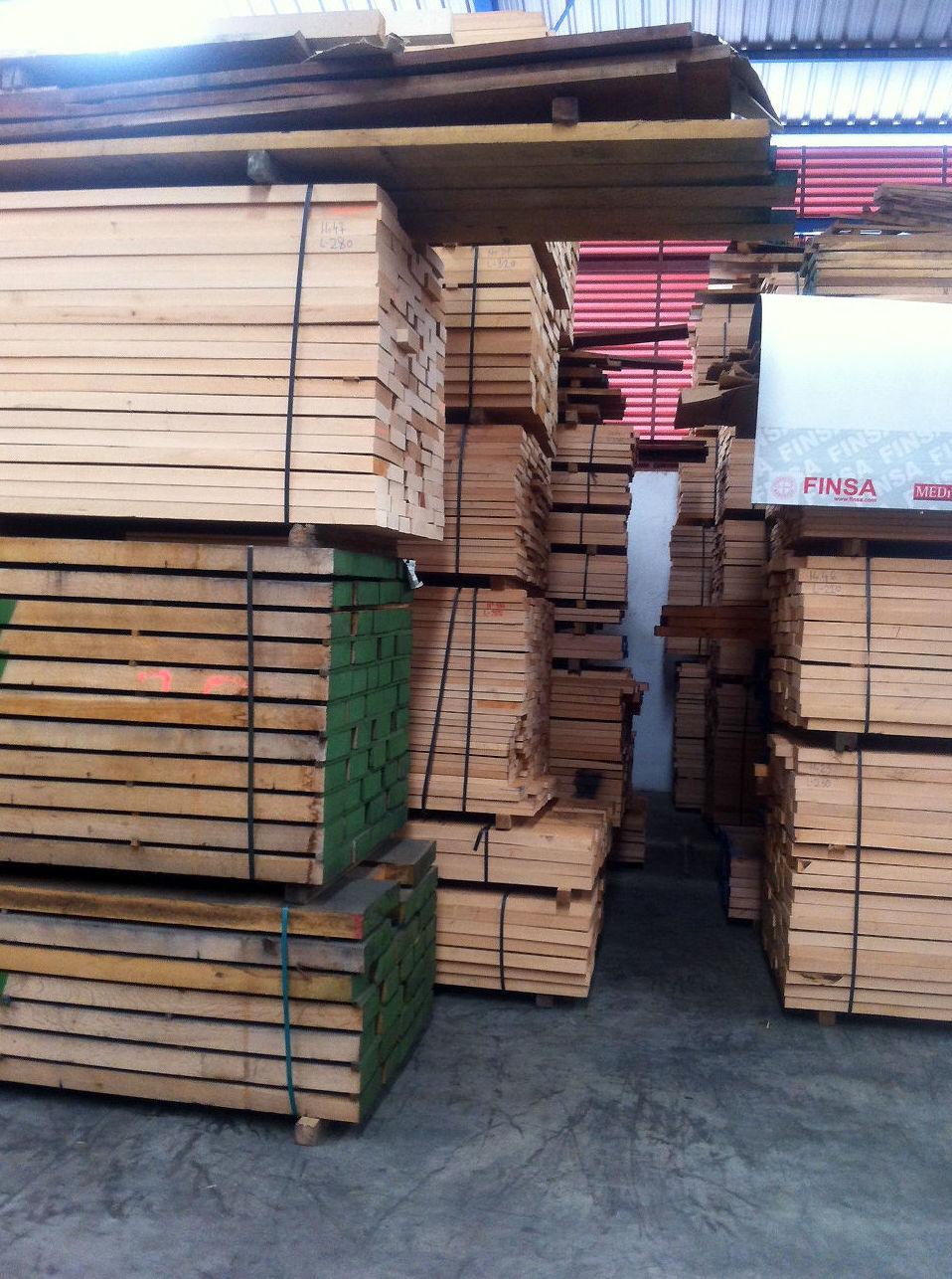 Amplio stock de diferentes tipos de maderas Toledo