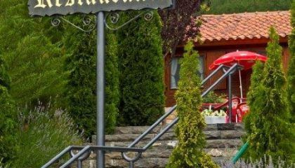 Camping con cafetería, restaurante, instalaciones deportivas en Huesca