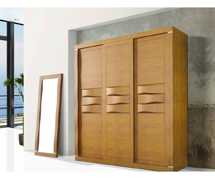 Muebles de madera de roble o pino