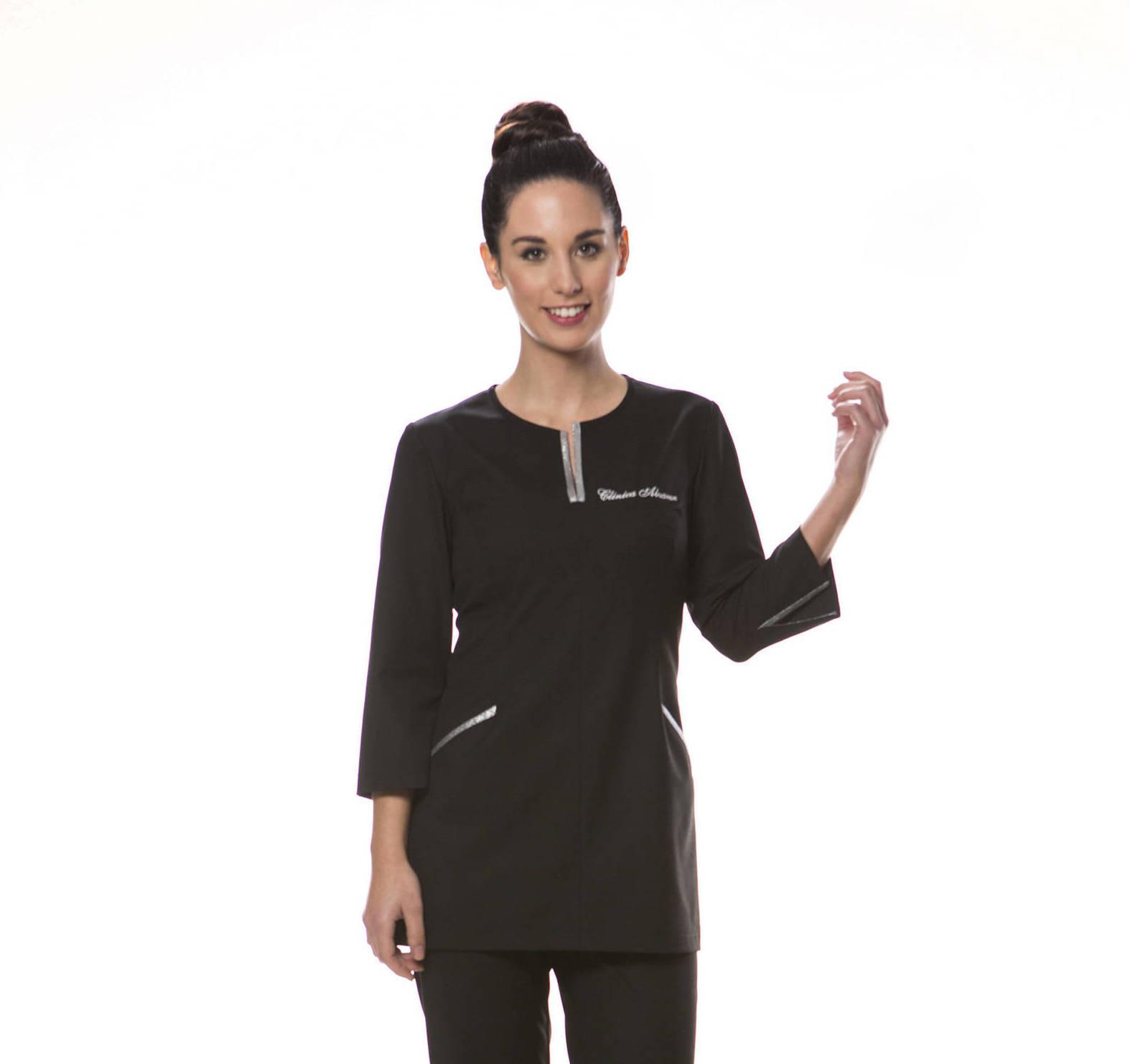 Envíos a toda España de uniformes exclusivos y personalizados