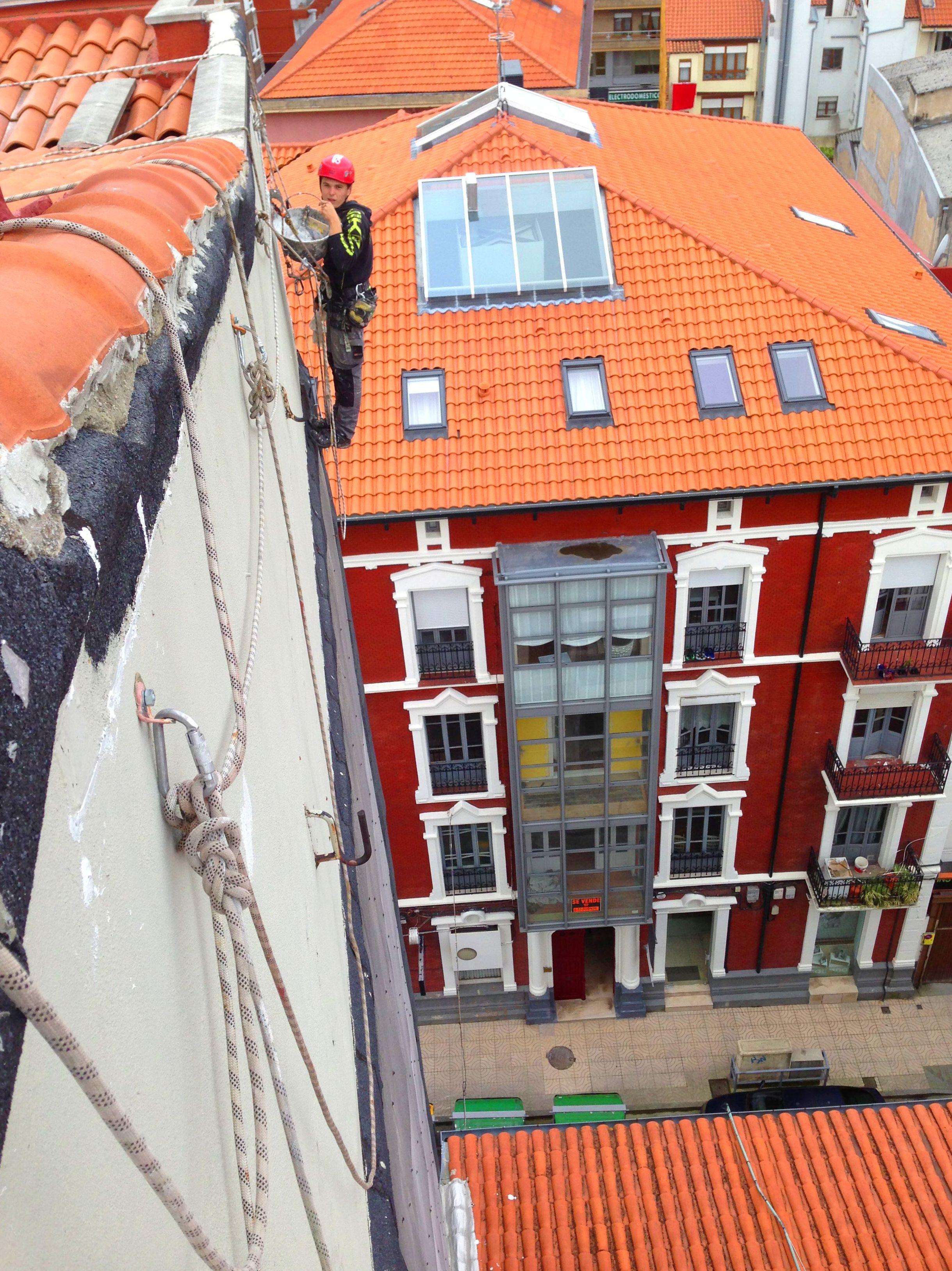 Trabajos verticales y trabajos en altura en Torrelavega.