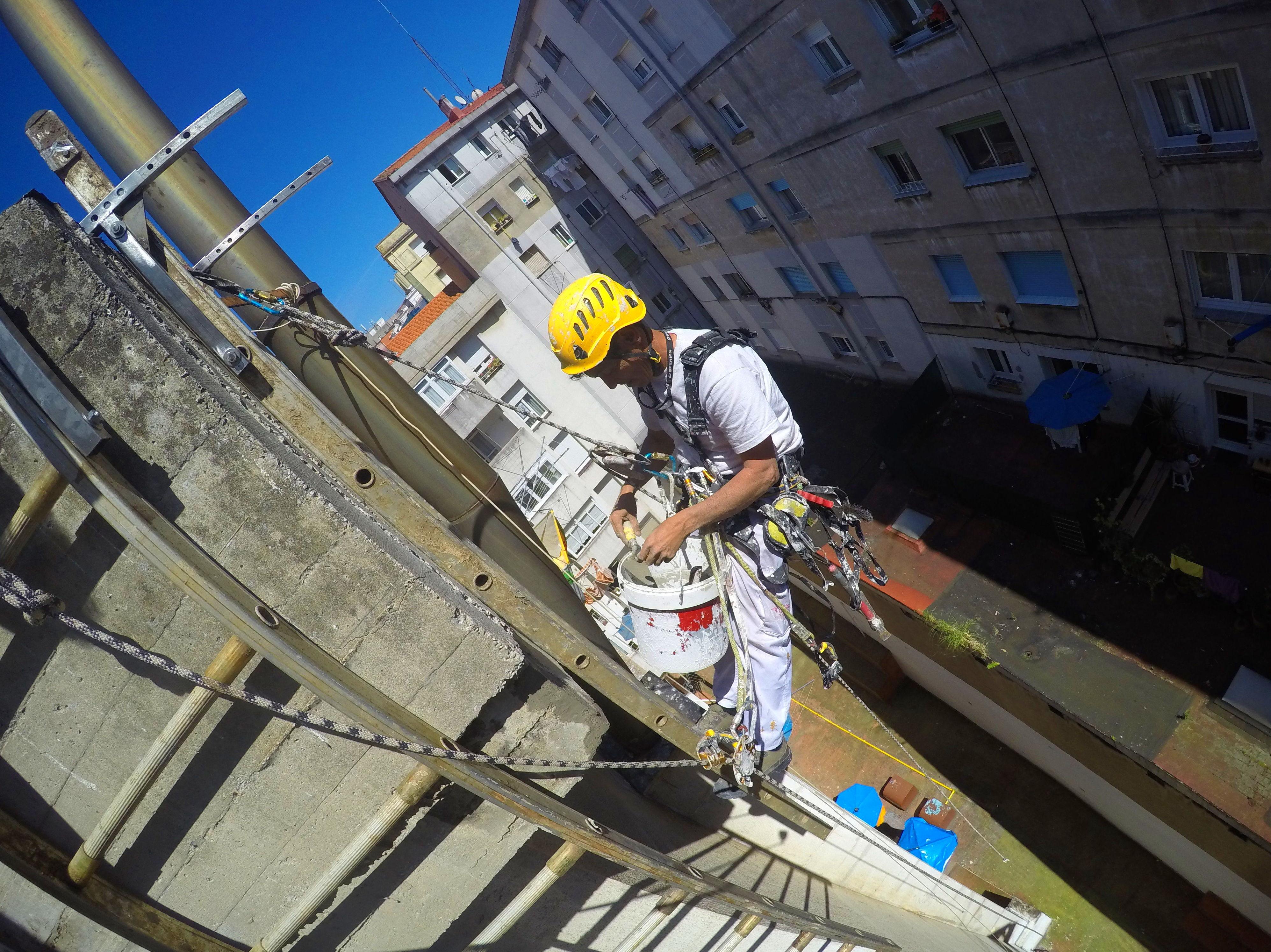 Reparación y derribo descuelgue vertical Torrelavega-Santander.