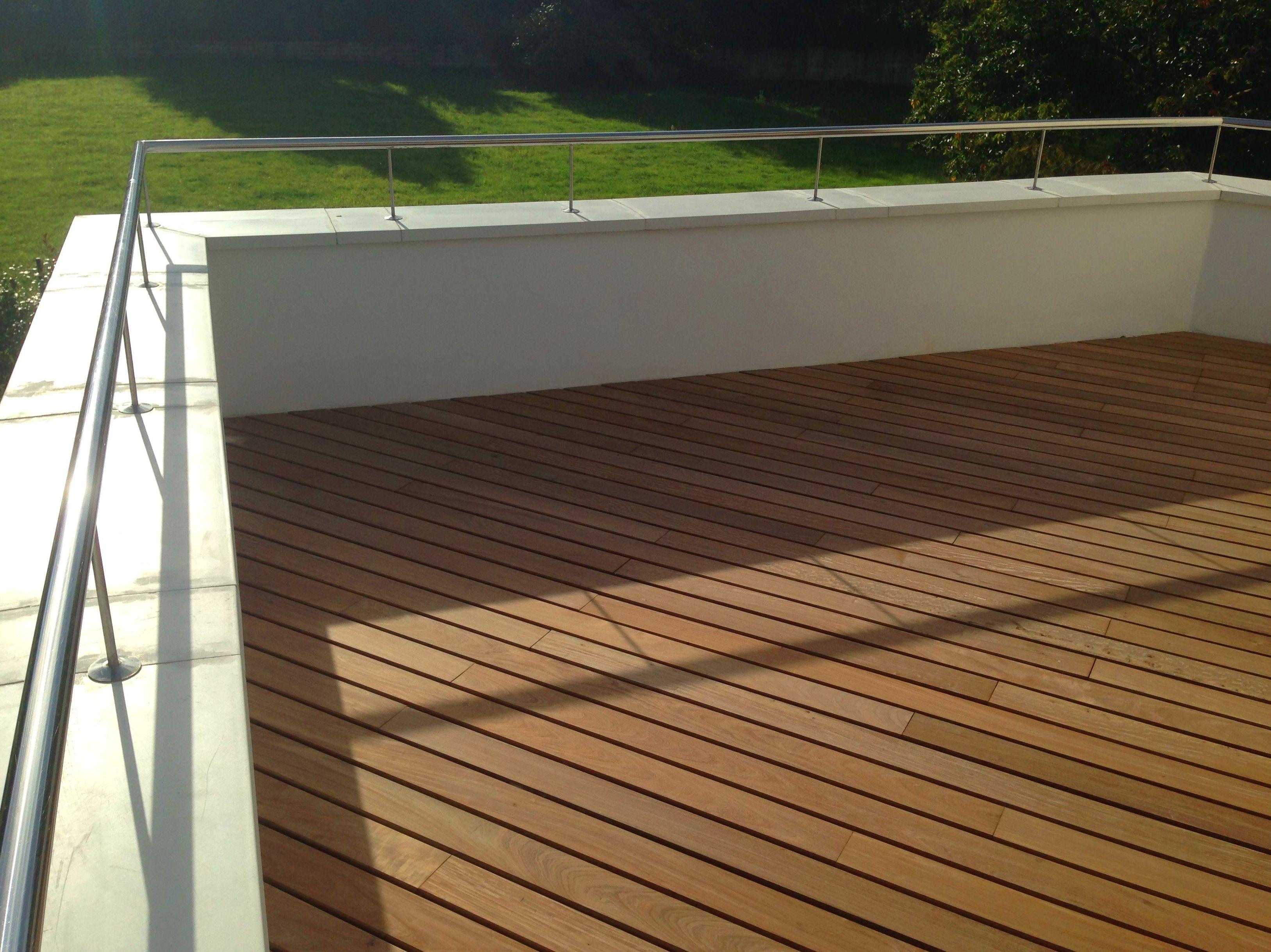 Colocación de tarima de madera ip en terraza. Fachadas Cantabria tarima ipe.