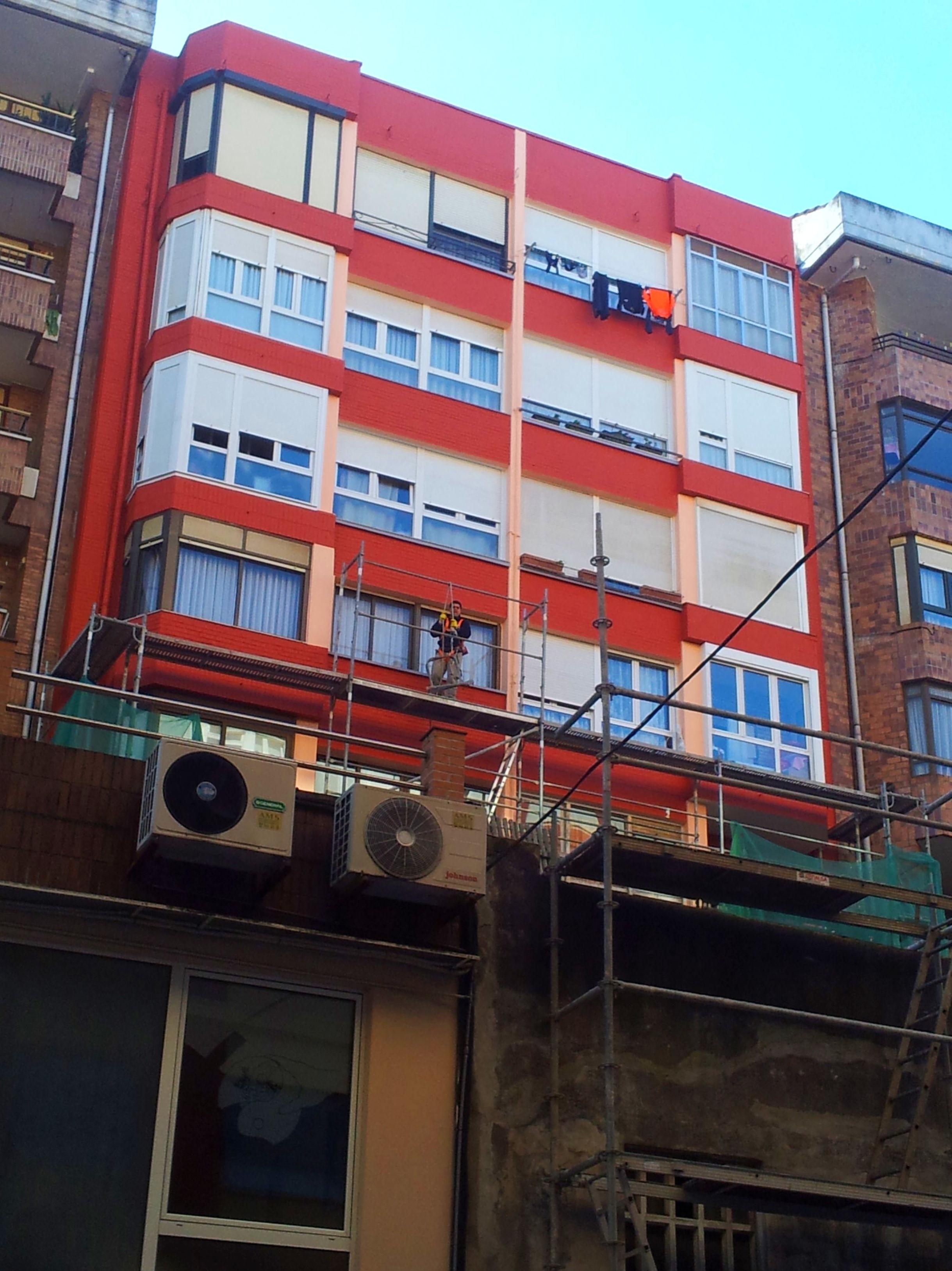 Reparación fachadas exteriores traseras patios medianeras principal