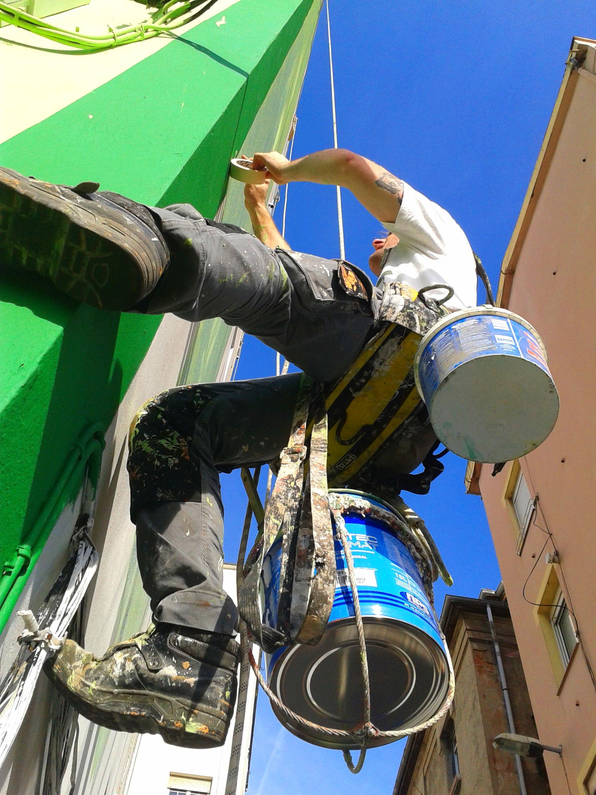 Pintores de fachadas. Trabajos verticales Santander-Torrelavega.