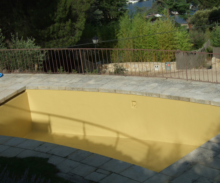 Revestimiento de piscina color arena - Pelayos de la Presa (Pantano de San Juan)
