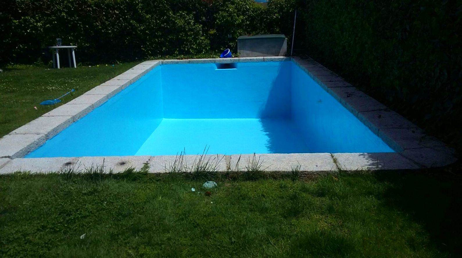 Reparación de piscina en poliester con fibra de vidrio