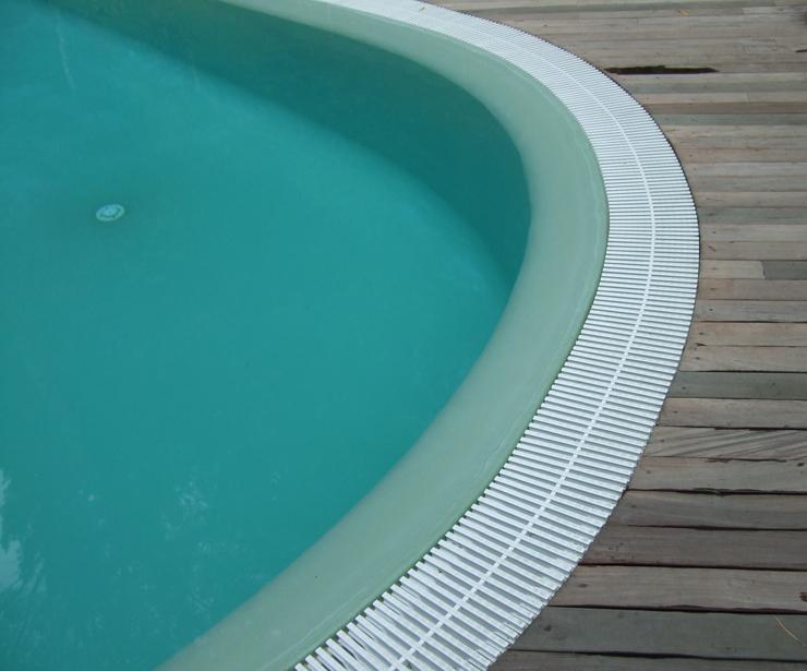 Revestimiento de piscina en poliester con fibra de vidrio