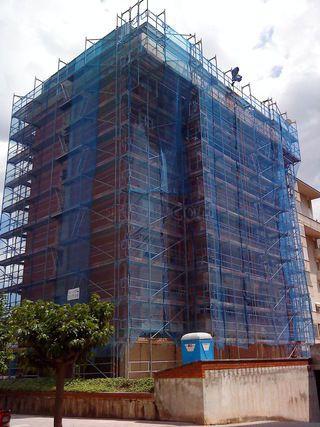 Restauración de fachadas y cubiertas  en Cornellà