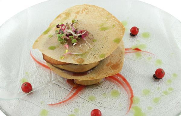 Foie fresco entre láminas crujientes