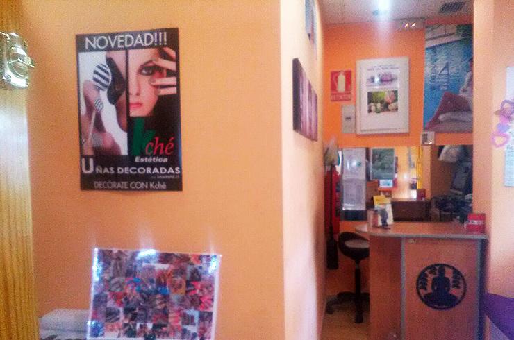 Centro de estética en Fuenlabrada decoracion uñas solo 1€ unidad