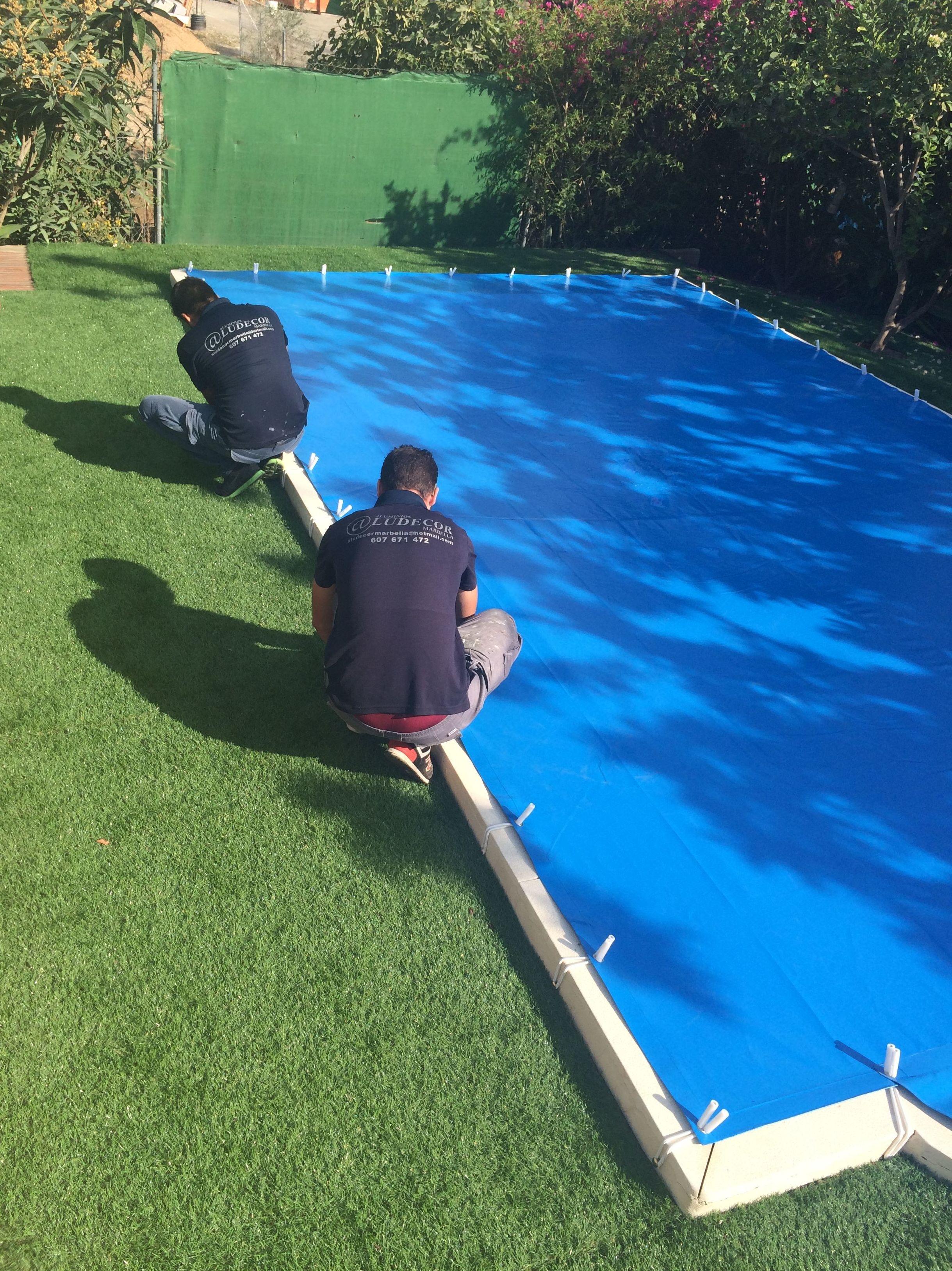 Toldo para proteger piscina for Toldos para piscinas
