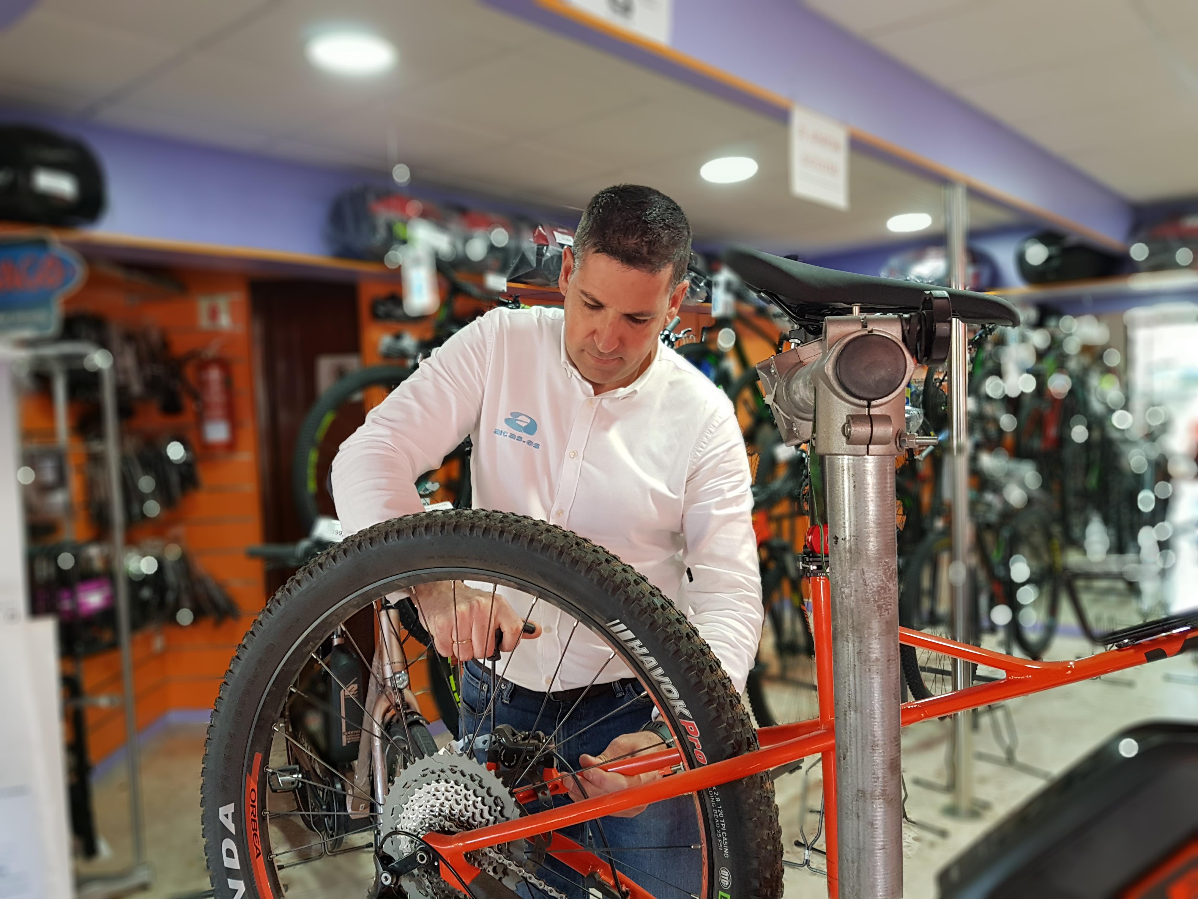 Revisión completa de bicicletas: Productos y servicios de Arcas Motos y Bicis