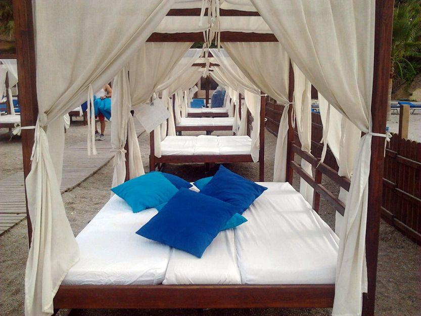 Confección de camas balinesas para negocios