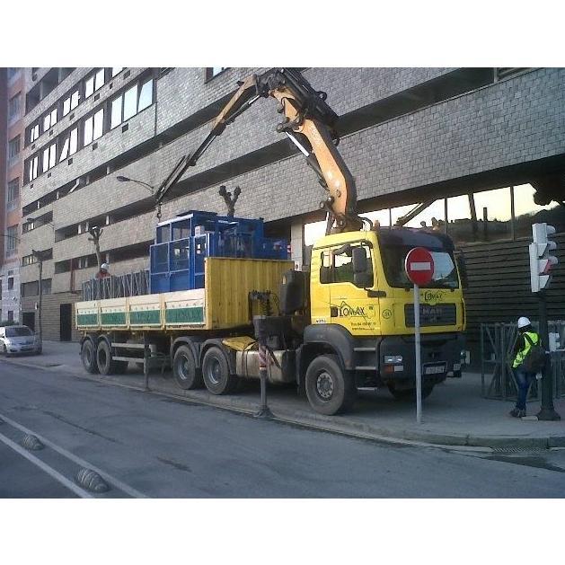 Camiones grúa tráiler especial: Servicios de Transportes y Grúas Lomax