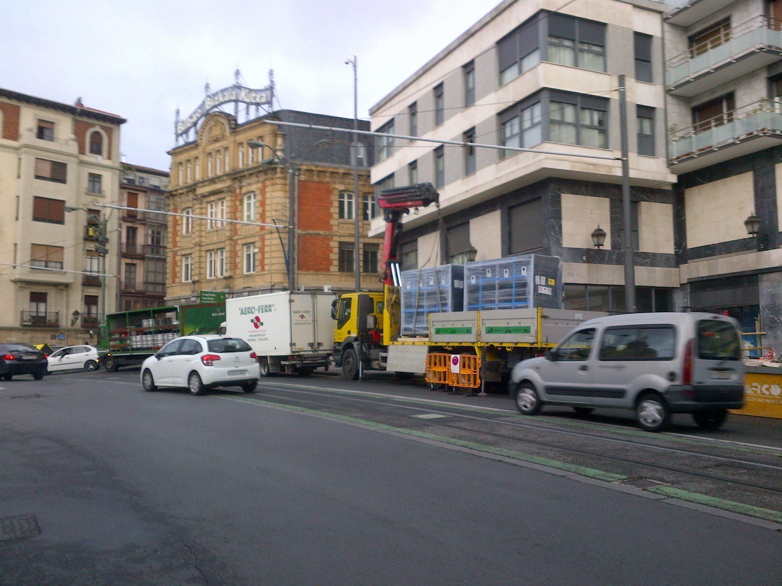 Traslado de materiales a carrefour espress en Bilbao