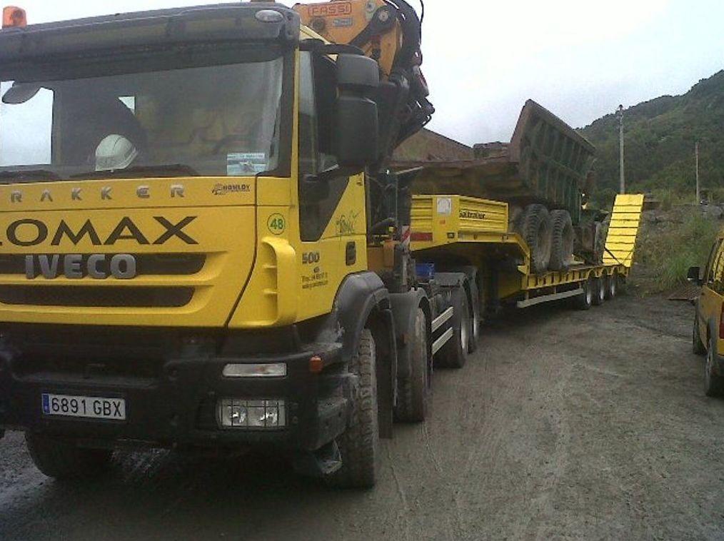 Transprte de camion antiguo para en museo de la mineria