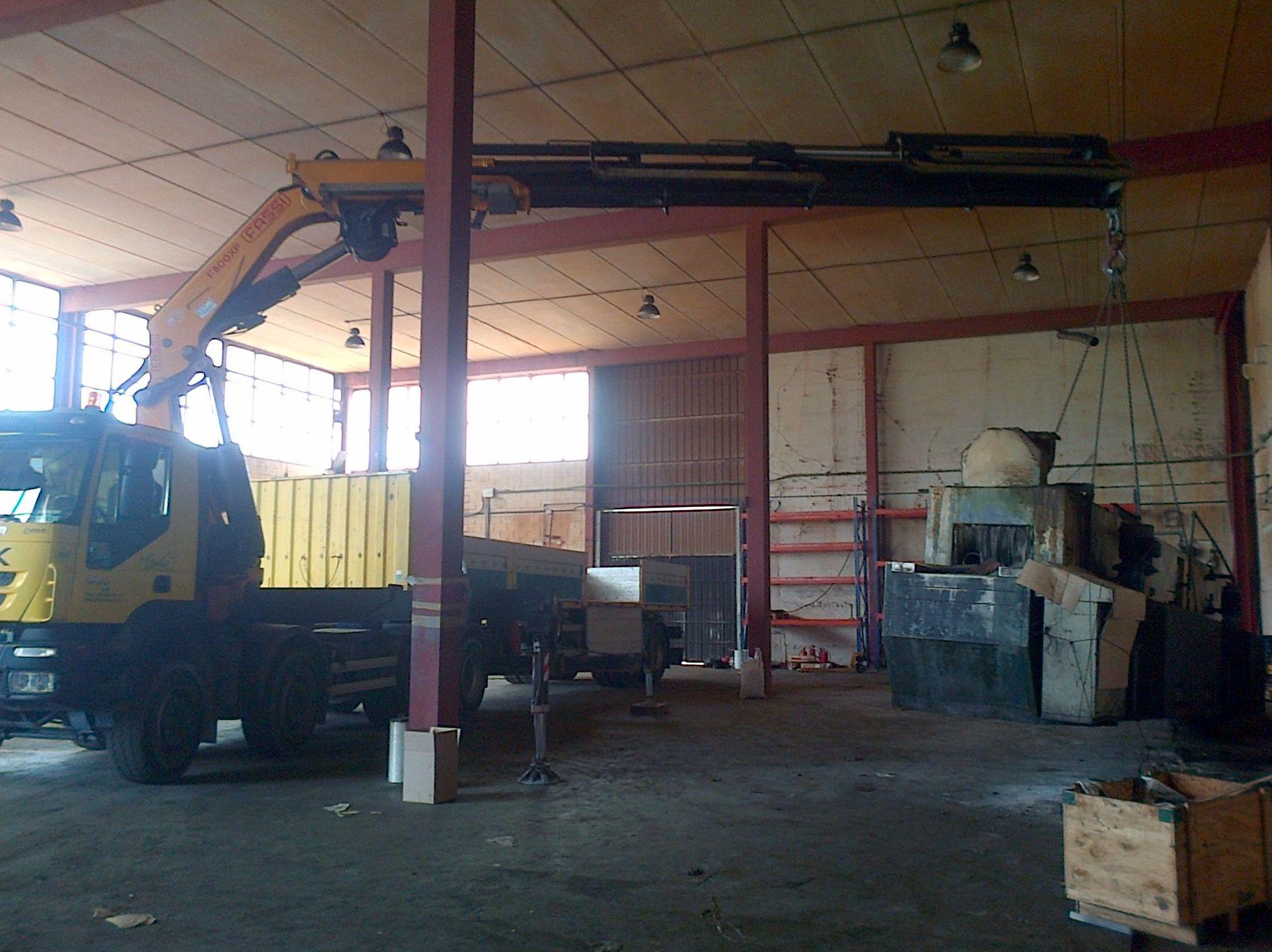 Traslado de maquinaria en espacios confinados