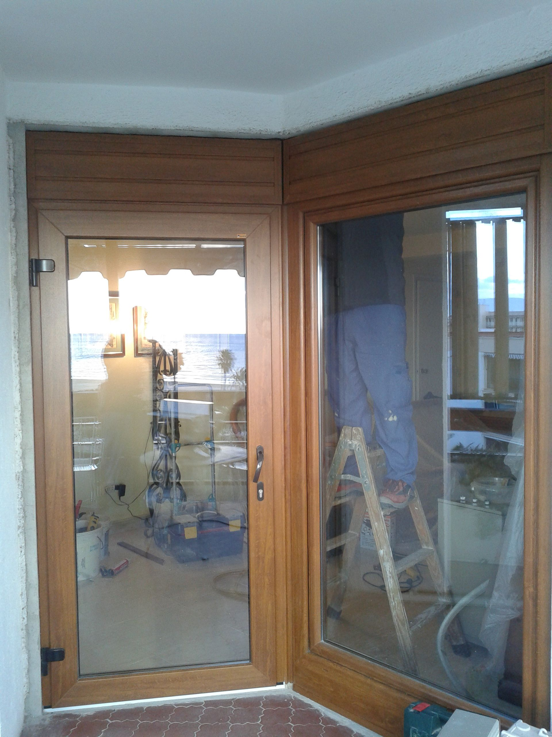 Venta e instalación de puertas de PVC: Servicios de Trabajos Ventanas PVC