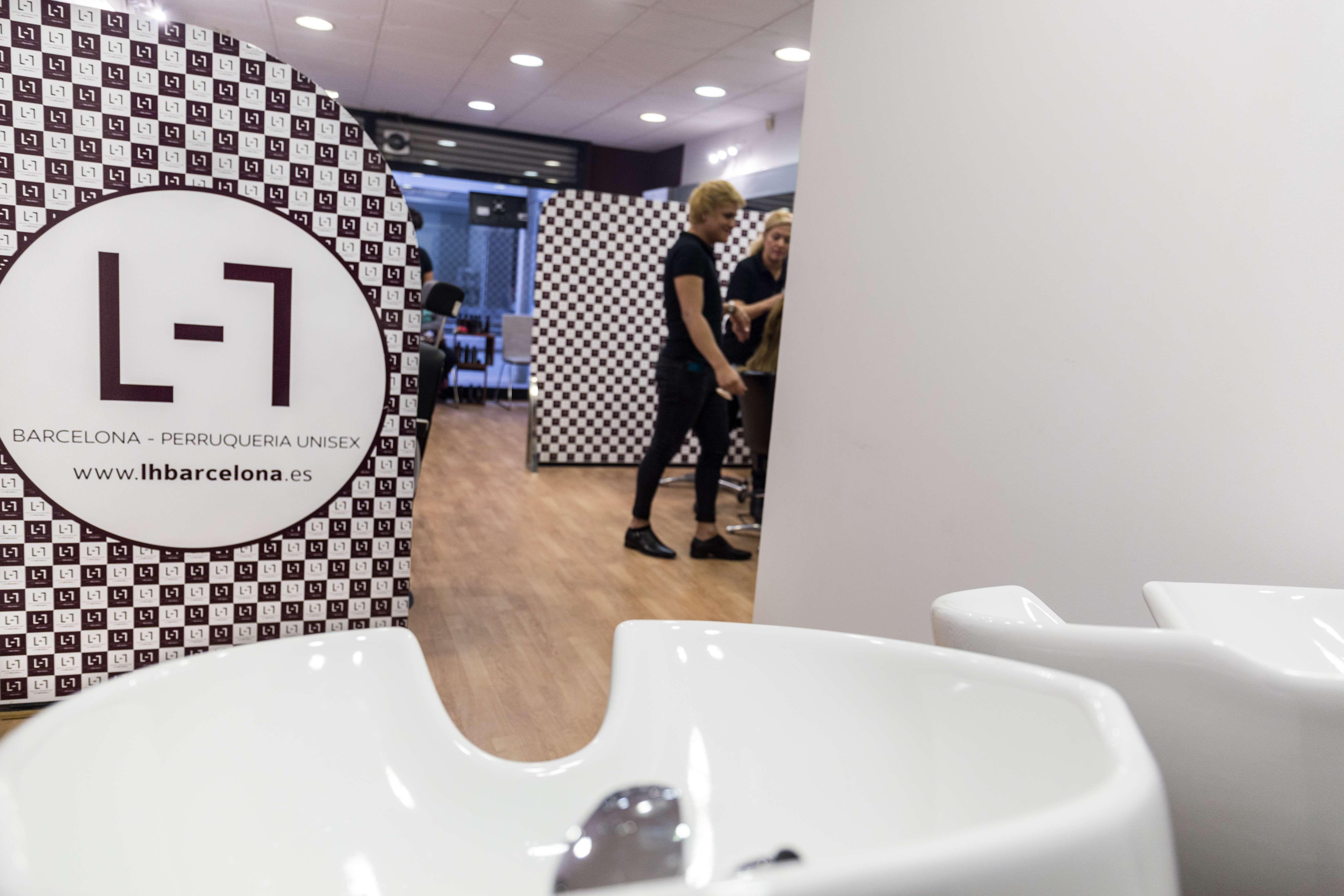 Interior de nuestra peluquería en Barcelona