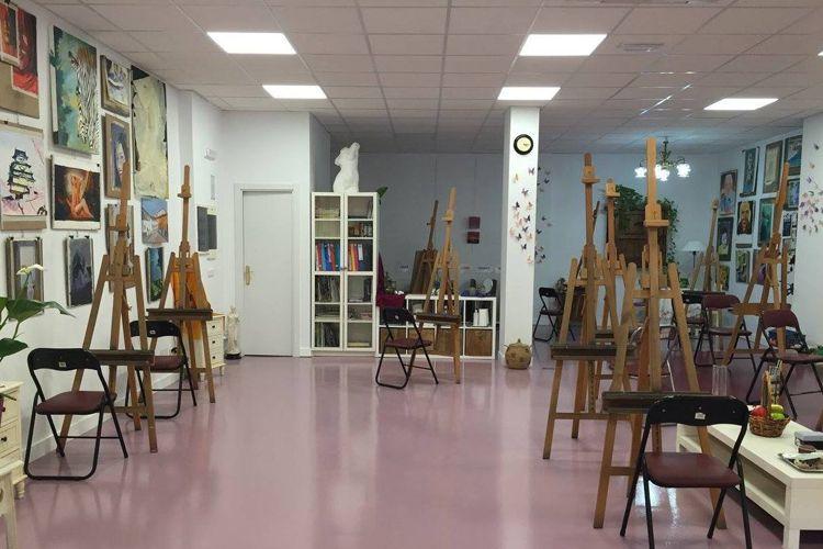 Escuela de estudios de dibujo y pintura en Fernando de Henares
