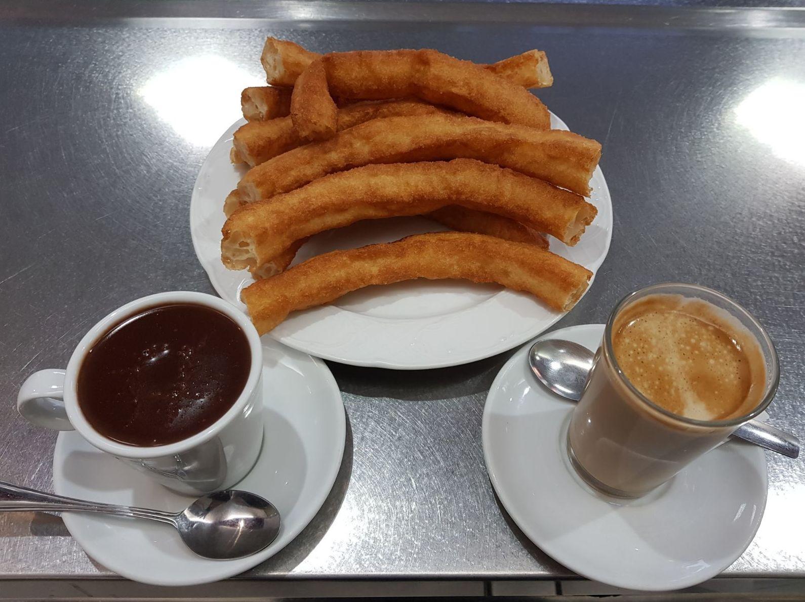 chocolate con churros Viladecans  BAR CHURRERÍA D'TAPAS