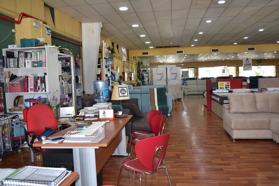 Interior de nuestra tienda de sofás y tresillos en Los Barrios, Cádiz