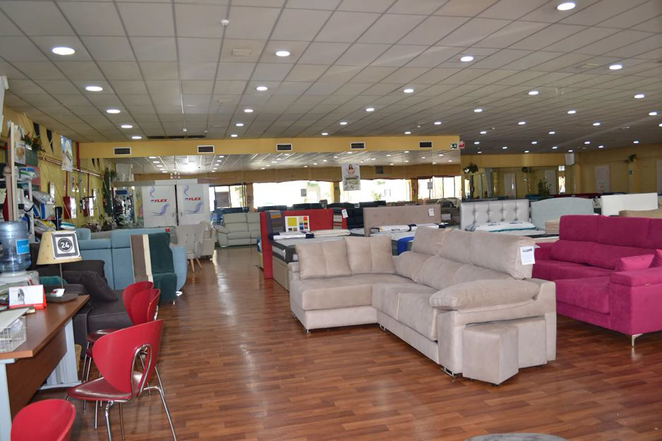 Interior de nuestra tienda de sofás en Los Barrios, Cádiz