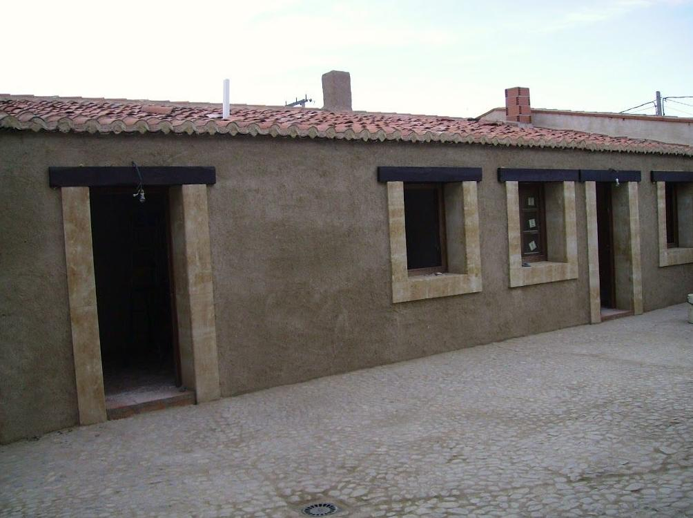 Rehabilitación de tres viviendas rurales Santa Clara de Avedillo