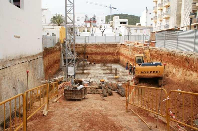 Foto 3 de Empresas de construcción en Santa Eulària des Riu | Camacho Servicios