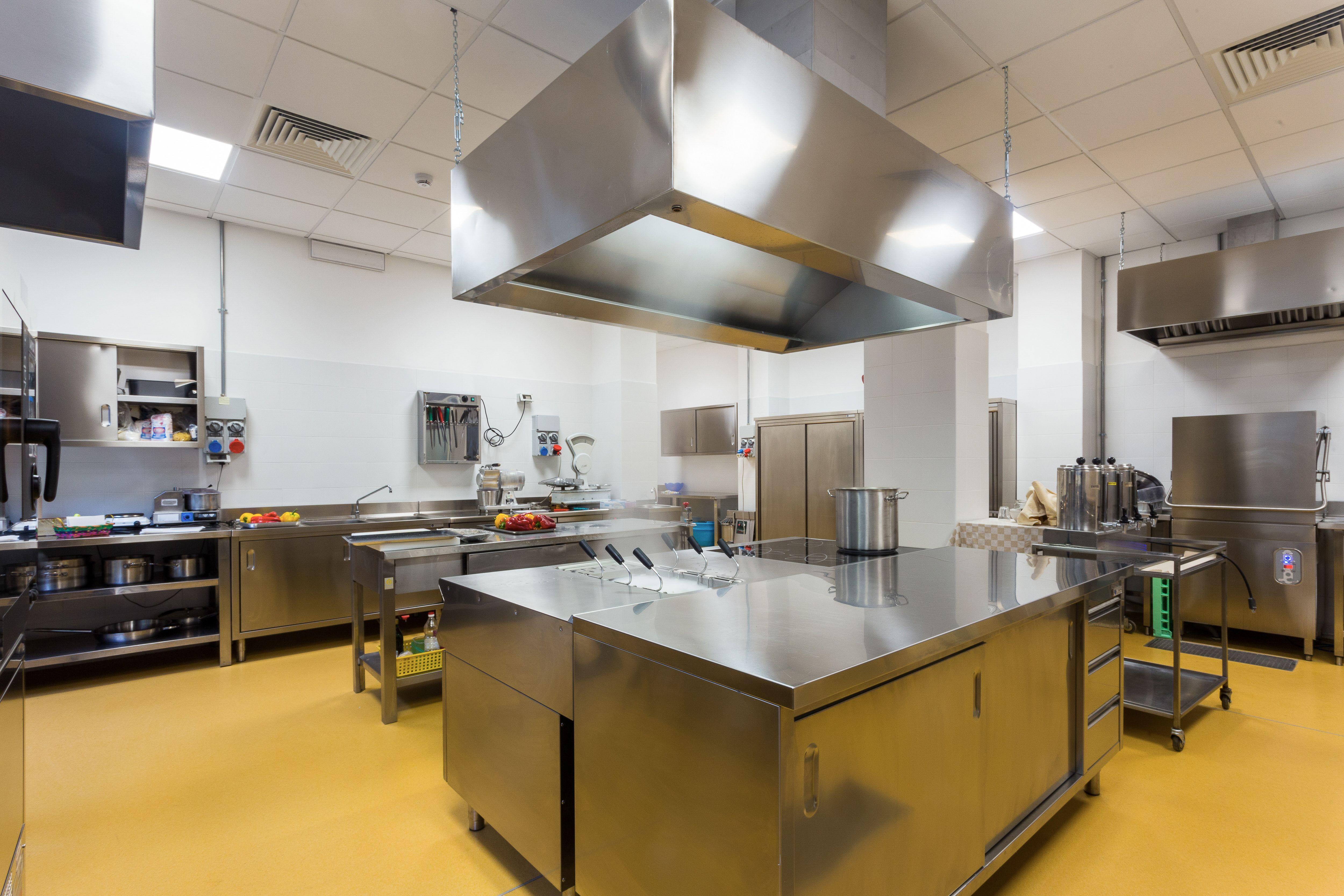 Fabricación de mobiliario de acero inoxidable para hostelería en Murcia