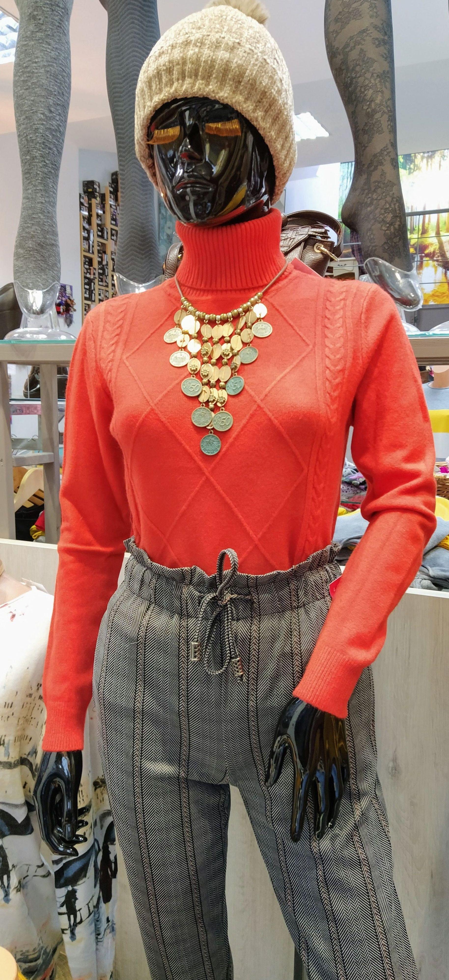 tienda de moda, complementos, mercería y regalos en Ourense