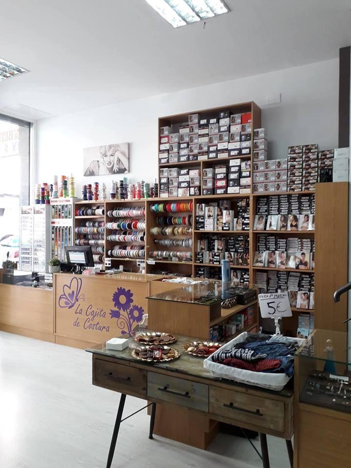 Foto 76 de Mercerías en Orense | La Cajita De Costura