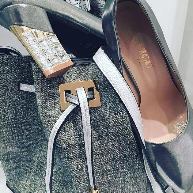 Zapatos y complementos de mujer al por mayor en Barcelona