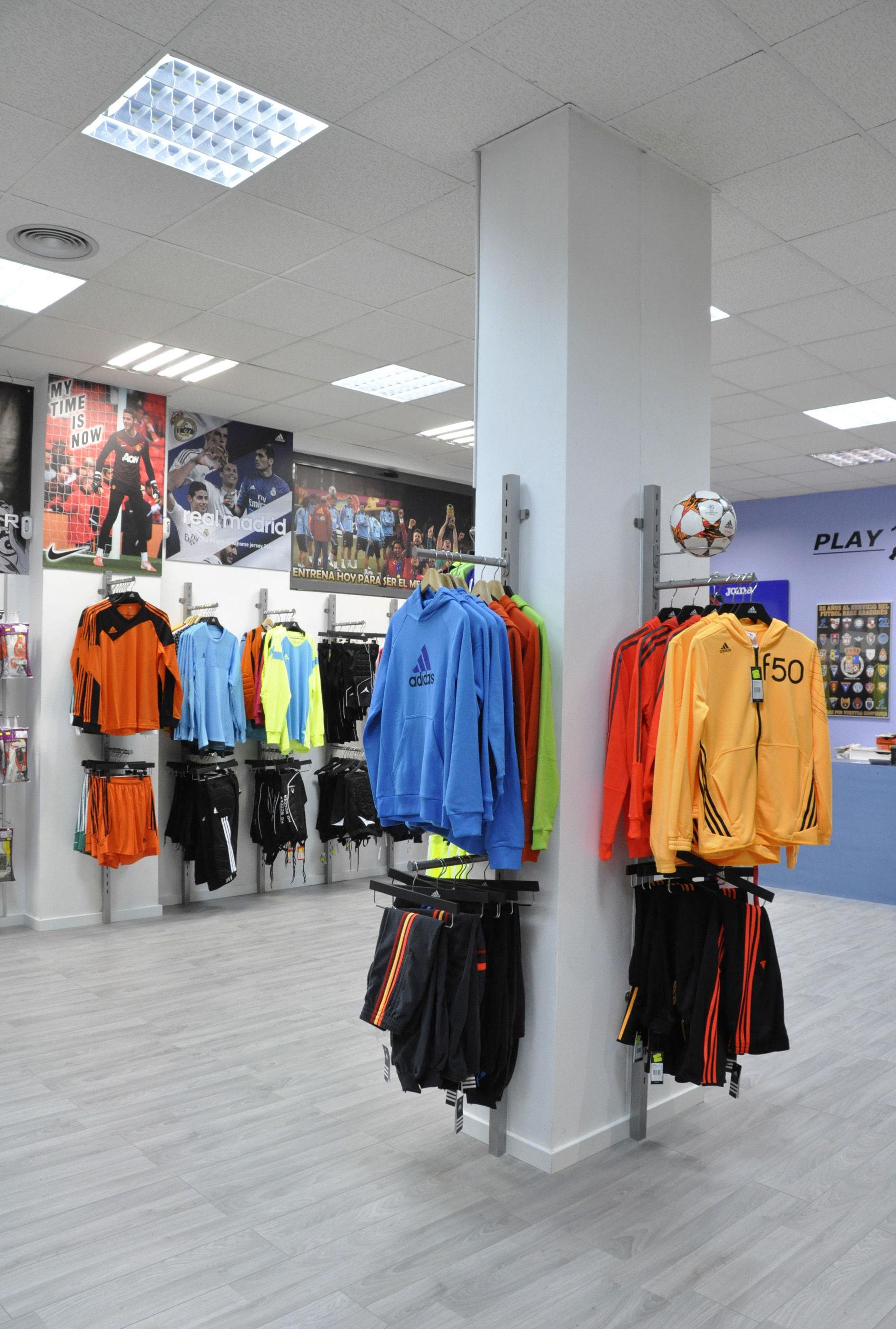 Foto 78 de Equipamiento para locales comerciales en    Pardo Mobiliario De Comercio