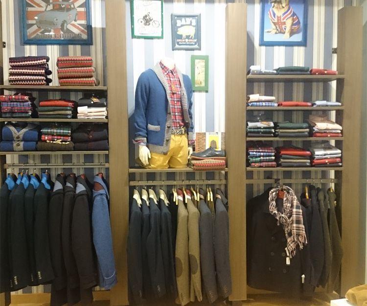 Muebles a medida para tienda de ropa