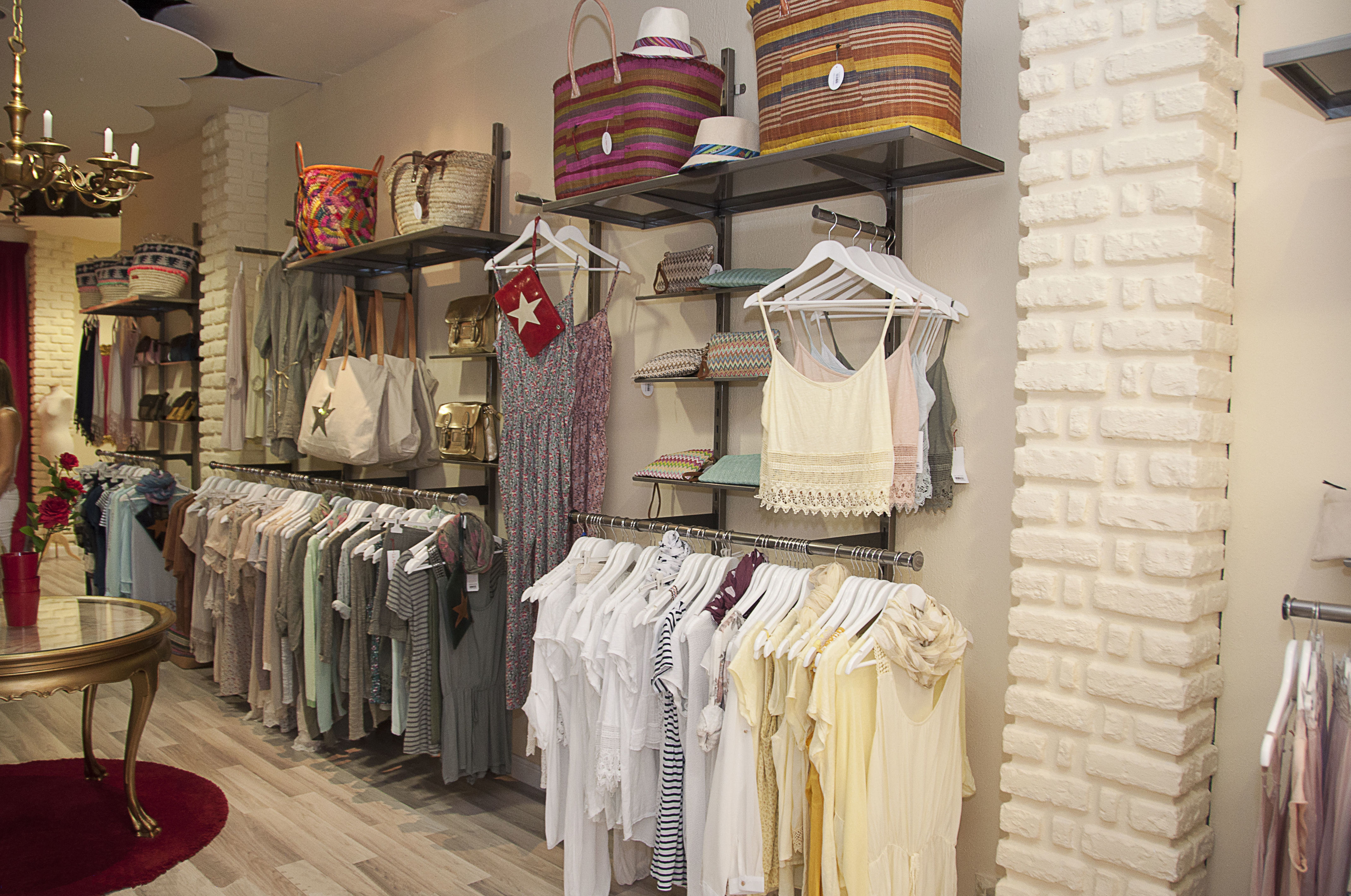 Foto 5 de Equipamiento para locales comerciales en  | Pardo Mobiliario De Comercio