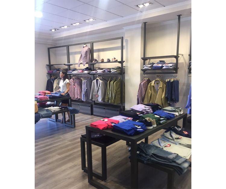 Muebles para tienda de ropa