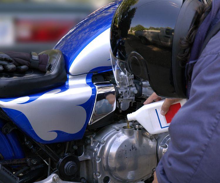 Lubricantes de automoción para motos en Valladolid
